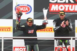 Podium: second place Leon Haslam, Puccetti Racing, race winner Tom Sykes, Kawasaki Racing