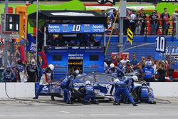 Danica Patrick, Stewart-Haas Racing Ford pit stop