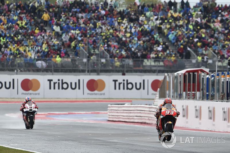 Na última volta, o espanhol conseguiu a ultrapassagem, para não perder mais.
