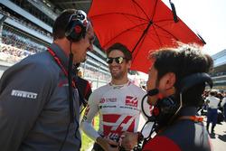 Günther Steiner, Haas F1, Teamchef; Romain Grosjean, Haas F1 Team, Ayao Komatsu, Haas F1 Team, Chefingenieur