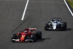 Kimi Raikkonen, Ferrari SF70H, Felipe Massa, Williams FW40