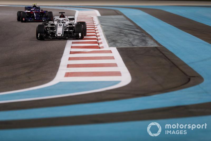 Маркус Ерікссон, Sauber C37, П'єр Гаслі, Scuderia Toro Rosso STR13