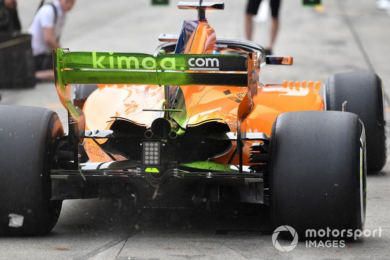 Fernando Alonso, McLaren MCL33, avec de la peinture aéro sur l'aileron arrière