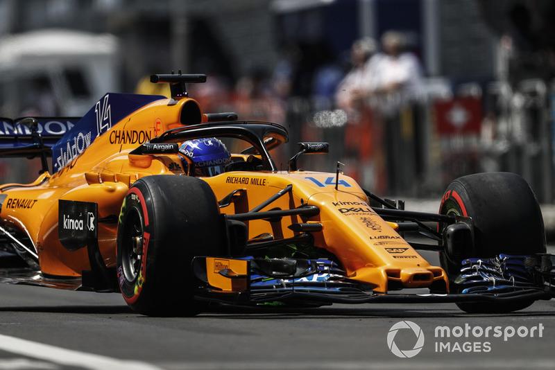 McLaren FP3'te Alonso'ya şakayla ilk sırada olduğunu söylüyor