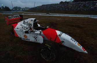 Martin Brundle, McLaren MP4/9 suffered an accident