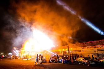 Startaufstellung zum Supercars-Nachtrennen in Eastern Creek 2018