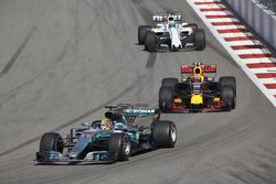 Lewis Hamilton, Mercedes AMG F1 W08, Max Verstappen, Red Bull Racing RB13, Felipe Massa, Williams FW40