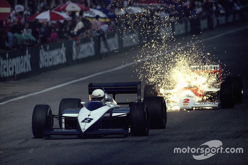 Андреа де Чезаріс, Brabham, та Стефан Йоханссон, McLaren, який його наздогнав