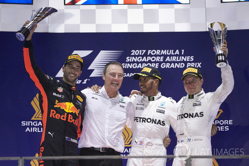 Singapur GP - Kazanan Lewis Hamilton, 2. Daniel Ricciardo, 3. Valtteri Bottas