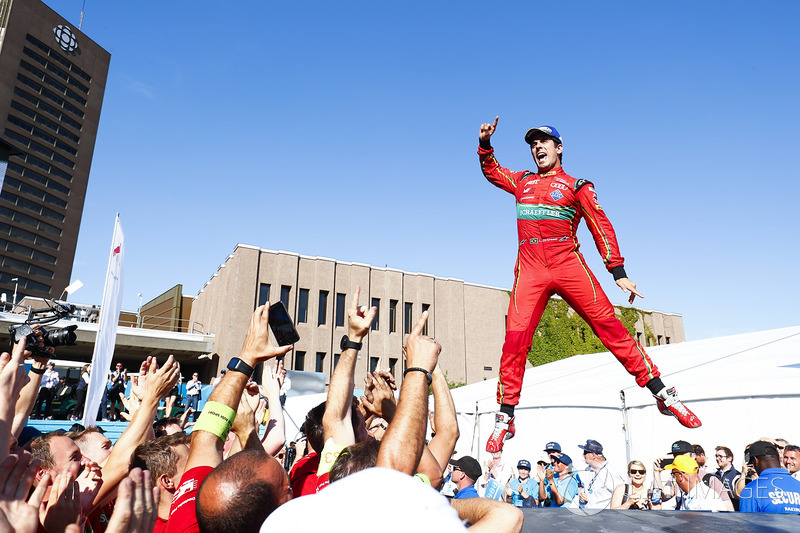 Ди Грасси стал третьим чемпионом Формулы E после Нельсона Пике и Буэми