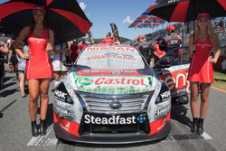 Hot grid girls for Rick Kelly, Nissan Motorsports
