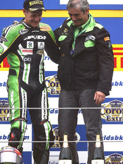 Podium: race winner Chris Walker, Kawasaki Racing