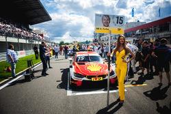 La Grid Girl d'Augusto Farfus, BMW Team RMG, BMW M4 DTM