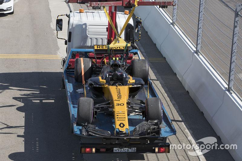 The crashed car of Jolyon Palmer, Renault Sport F1 Team RS17