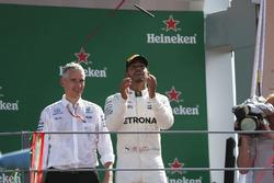 Подіум: переможець Льюіс Хемілтон, Mercedes AMG F1,