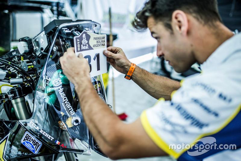 Mecánico de #31 Husqvarna Factory Racing: Pela Renet