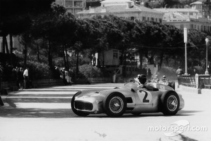 1955: Mercedes W196 R