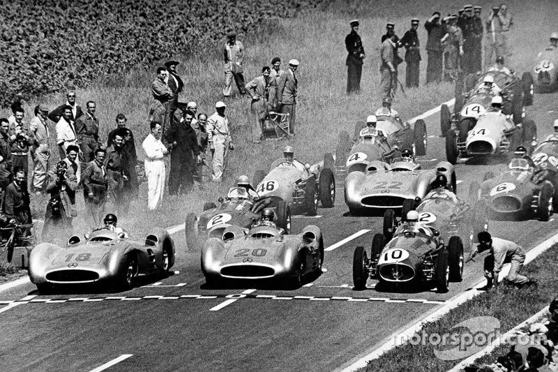 1954 - Mercedes, l'Étoile brille d'entrée