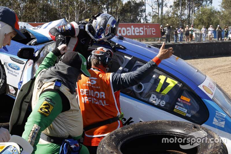 Scott Pye, DJR Team Penske crash