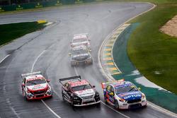 Todd Hazelwood, Matt Stone Racing Ford, Simona de Silvestro, Nissan Motorsport Nissan, Garth Tander,