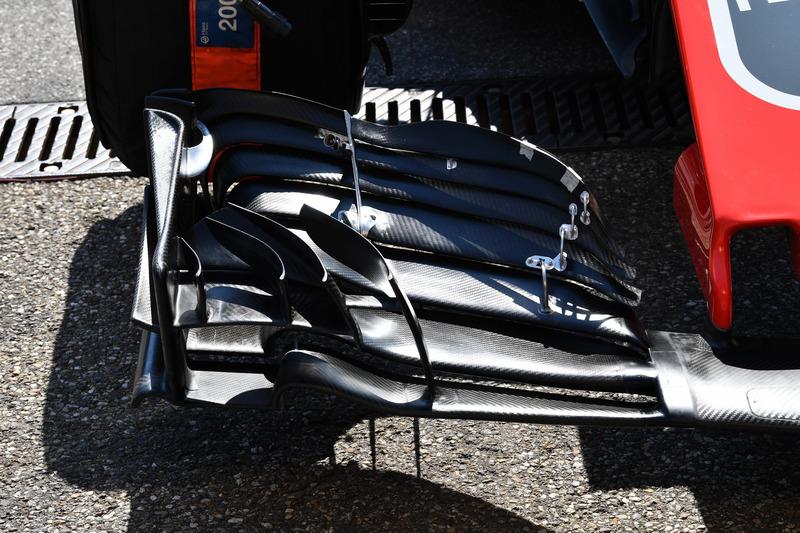 Haas F1 Team VF-18, első szárny, részlet