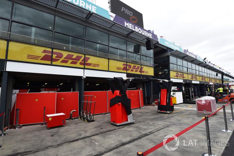 Бокси Ferrari