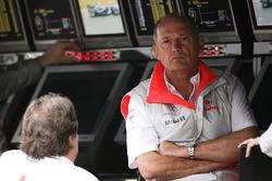 Ron Dennis, Takım Patronu, McLaren Mercedes