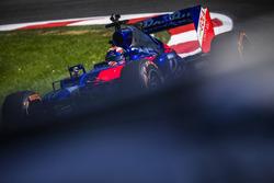 Marc Márquez conduce un Toro Rosso F1