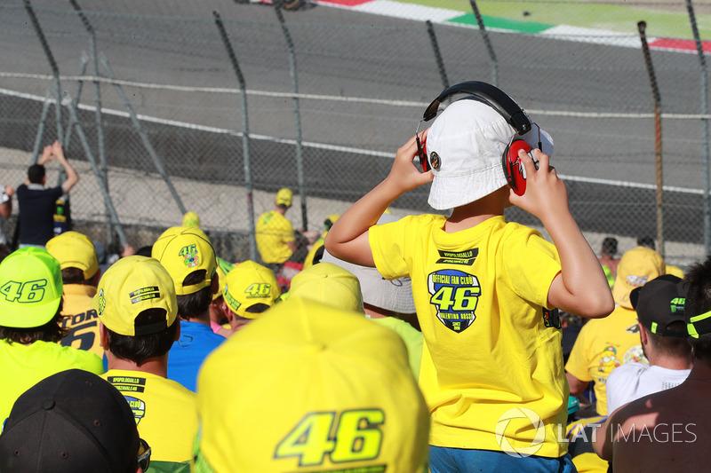 Para pendukung Rossi
