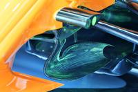 تفاصيل شفرات التوجية على سيارة مكلارين ام.سي.آل33