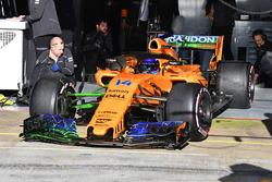 Fernando Alonso, McLaren MCL33 with aero paint