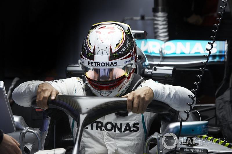 Lewis Hamilton, Mercedes AMG F1, climbs into his car