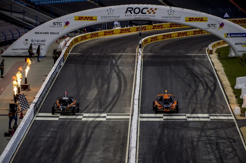 Tom Kristensen y Juan Pablo Montoya con el ROC Car