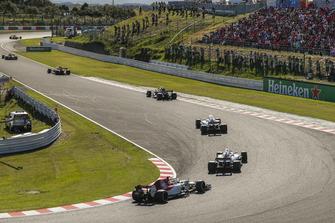 Marcus Ericsson, Sauber C37 e Lance Stroll, Williams FW41