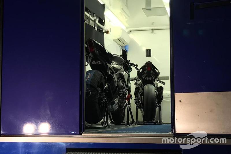 La Yamaha R1M con cui Lewis Hamilton ha girato a Jerez