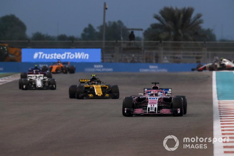 Серхіо Перес, Racing Point Force India VJM11, Карлос Сайнс-мол, Renault Sport F1 Team R.S. 18 та Маркус Ерікссон, Sauber C37