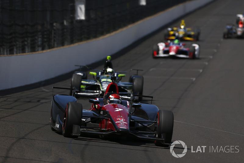 Дальше гонщиков ждала подготовка к Indy 500. Алешин провел ее скорее положительно, несколько раз показывая хорошие времена в первой десятке