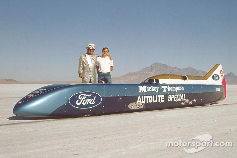 Mickey Thompson y Danny Thompson con el Challenger II