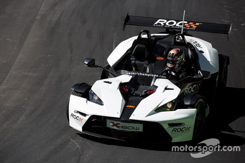 Pascal Wehrlein maneja el KTM X-Bow Comp R