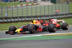 Max Verstappen, Red Bull Racing RB13 and Sebastian Vettel, Ferrari SF70H
