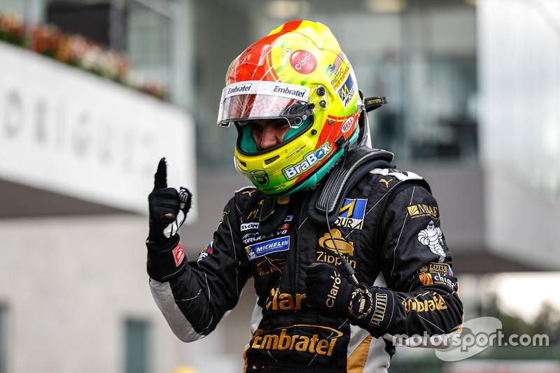 Pietro Fittipaldi venceu as duas baterias da rodada dupla da Fórmula V8 no México e disparou na liderança do campeonato, com 15 pontos de vantagem sobre Matevos Isaakyan.