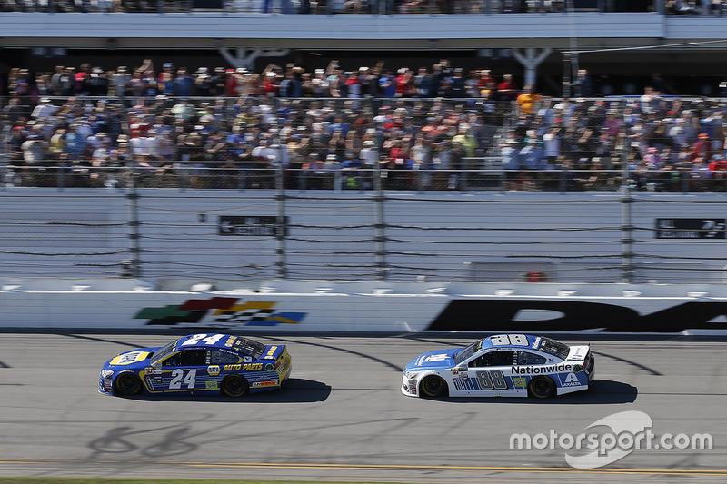 Chase Elliott, Hendrick Motorsports, Chevrolet; Dale Earnhardt Jr., Hendrick Motorsport,s Chevrolet