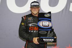 Race winner Johnny Sauter, GMS Racing Chevrolet