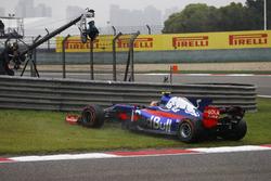 Разворот на трассе: Карлос Сайнс-мл., Scuderia Toro Rosso STR12