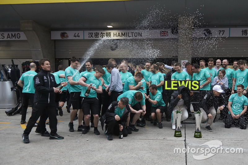 Race winner Lewis Hamilton, Mercedes AMG, and Valtteri Bottas, Mercedes AMG, celebrate with the Merc