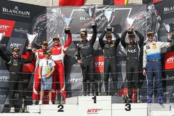 Silver Cup podium: winnaars Edward Sandström, Fabian Schiller, HTP Motorsport