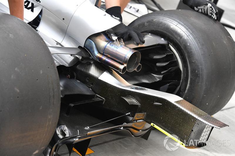 Mercedes-Benz F1 W08 Hybrid escape