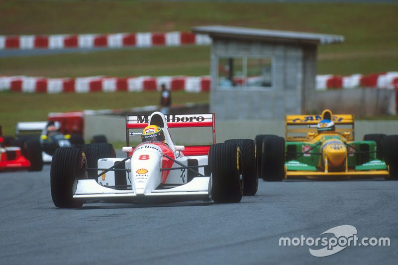Главными соперниками Проста были Айртон Сенна из McLaren и молодой гонщик Benetton Михаэль Шумахер. Обоим удавались сильные гонки, но уровень техники не позволял бразильцу с немцем бросить вызов фавориту в споре за титул.