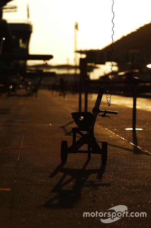 Pit stop jack at sunrise