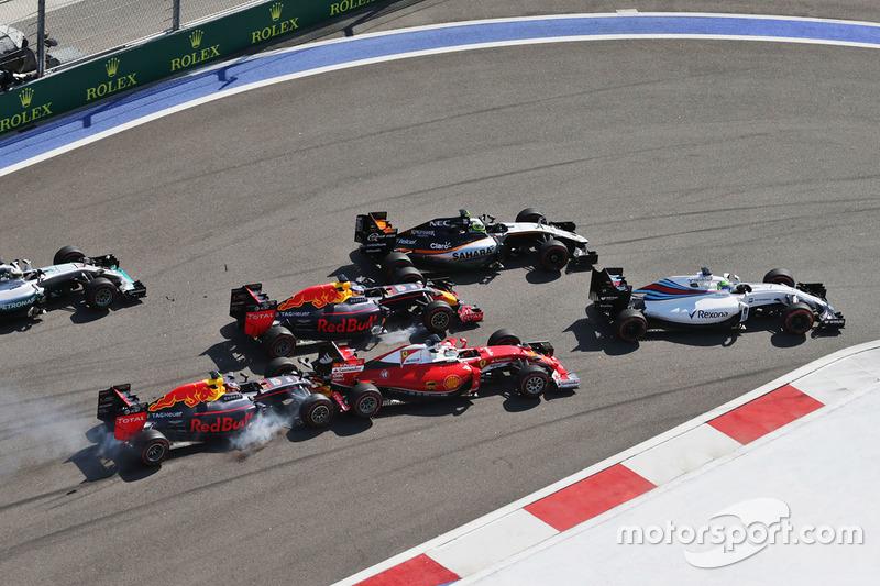 7. Daniil Kvyat, Red Bull Racing, y Sebastian Vettel, Scuderia Ferrari (GP de Rusia)